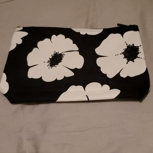 New Zipper Pouch White Poppy